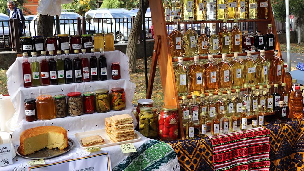 festivalul rachiei si bucatelor traditionale